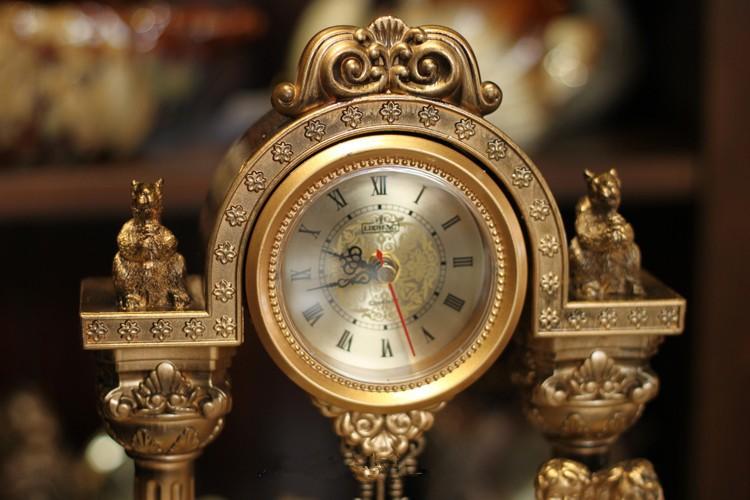 Pendulum clock3