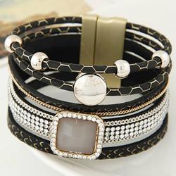 Модные браслеты для женщин