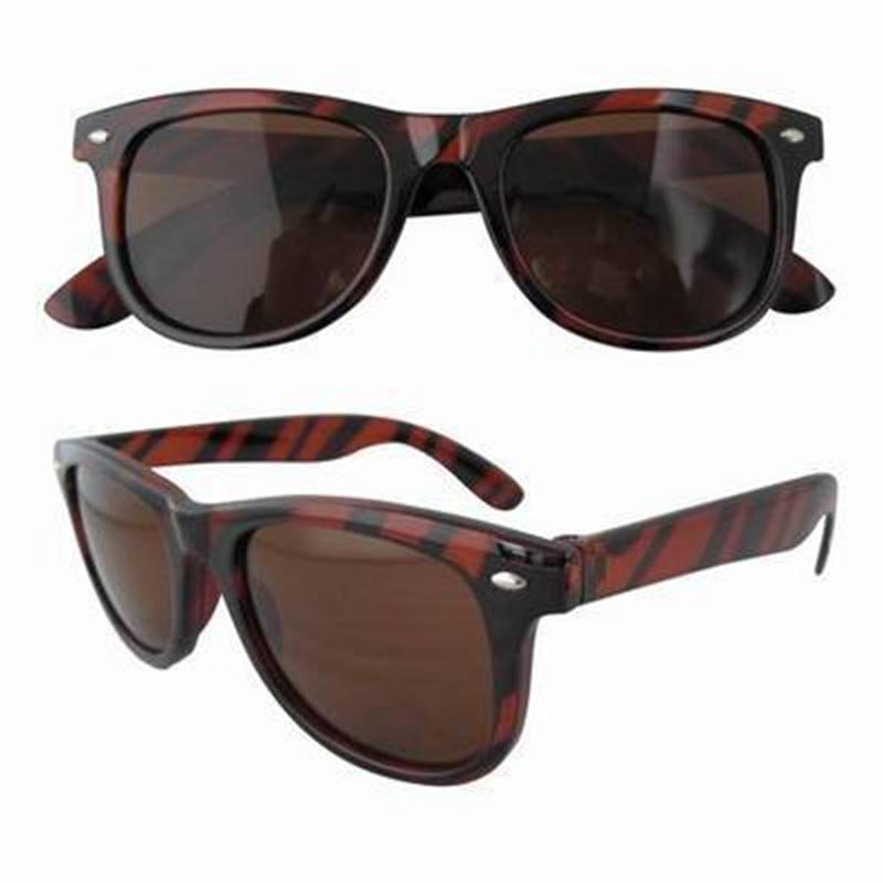 Tortue en miroir des lunettes de soleil shell heju - Miroir en forme de lunette ...