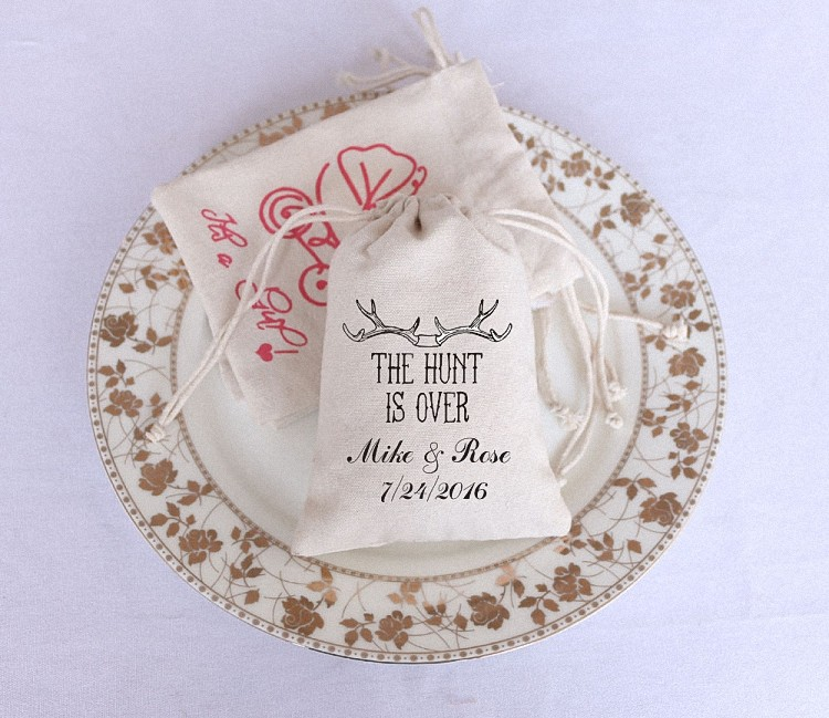 """Free Shipping! 50pcs Customized Name """"The Hunt is Over"""" Seasonal Holiday Personalized Favor Boxes Gift Bags Wedding Decoration(China (Mainland))"""