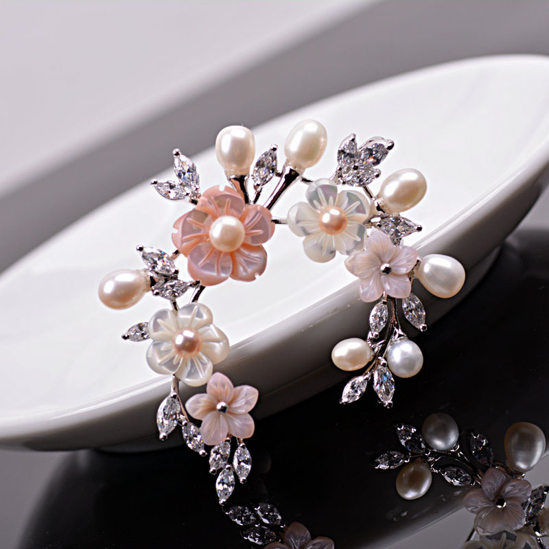 Circle Design Fabulous Clear CZ Leaf & Pink Shell Flower Brooch Pins in Silver Tone Pearls Deco Wedding Bridal Broach for Women(China (Mainland))