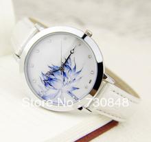 Envío gratis, viento chino presente tabla para mujer de loto de porcelana azul y blanca de loto pura eufemismo suave del reloj de la mujer