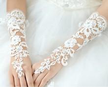 Ivory  Lace Wedding Gloves Paragraph Rhinestone Bridal Gloves Free Shipping(China (Mainland))
