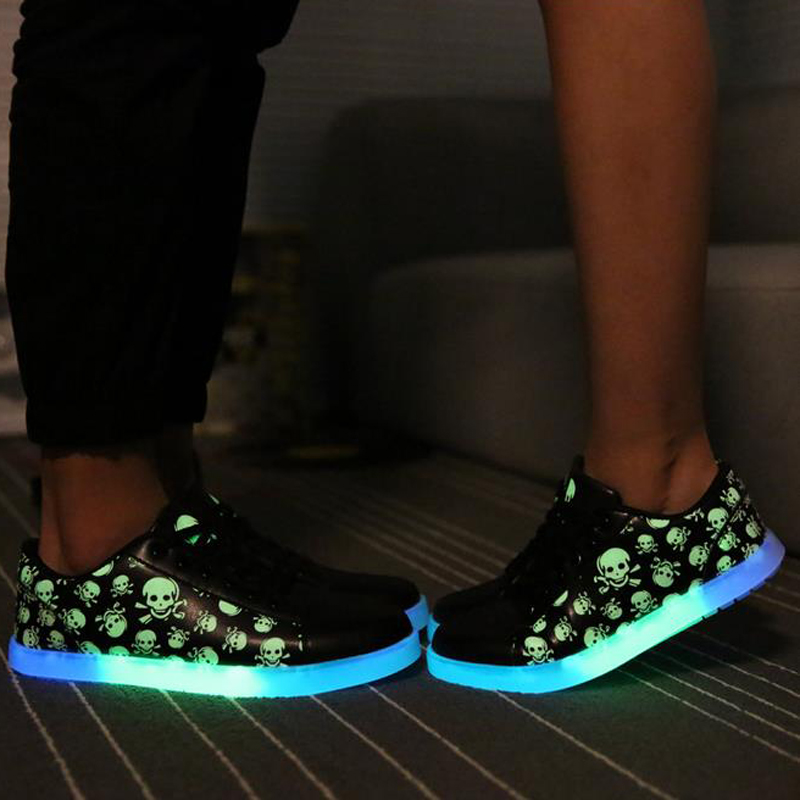 2016 Super Cool Skull Brand Glowing Shoes With Lights For Adults Luminous Fluorescent Shoes For Women