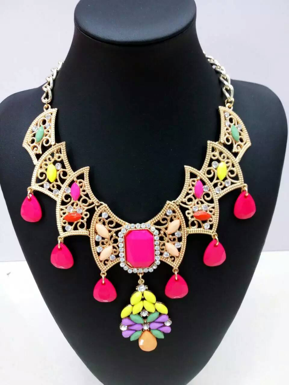 Hot Sale Pink Gem Necklace Colar Big Brand Collares Bib Choker Chunky Woman Necklace Tassel Statement Necklace Jewelry(China (Mainland))