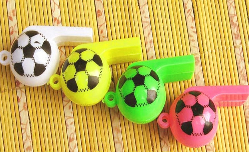 Wholesale Cheerleading Whistles Creative Plastic Soccer Whistle Promotional Gifts 400Pcs / Lot Free Shipping(China (Mainland))