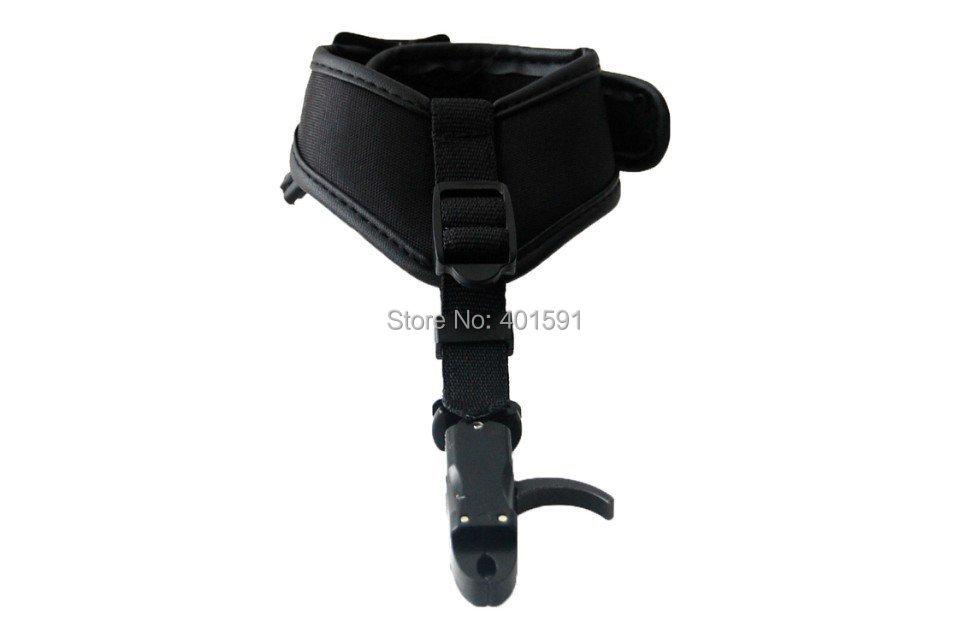 A bow release trigger starter auto closure jaws 360 degree swivel caliper head w belt buckle wrist strap  P-413<br><br>Aliexpress