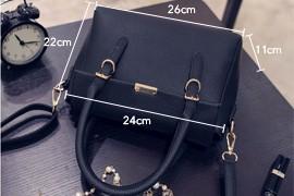 Embossing PU Bag 2016 New Fashion Handbag Magnetic Button Flap Bag Women Desiger Simple Shoulder Bag Ladylike Crossbody