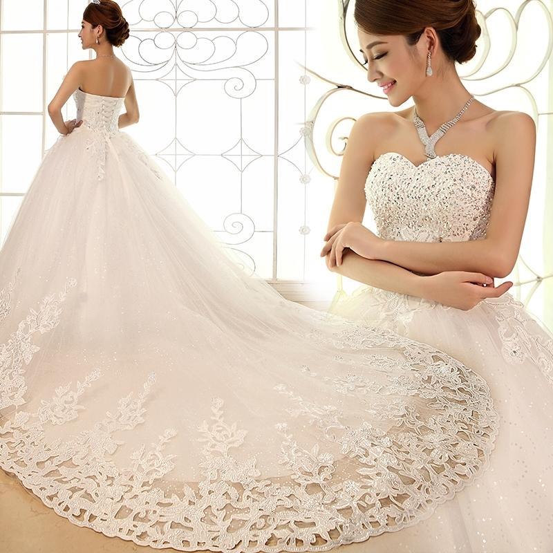 Robe blanche dentelle luxe