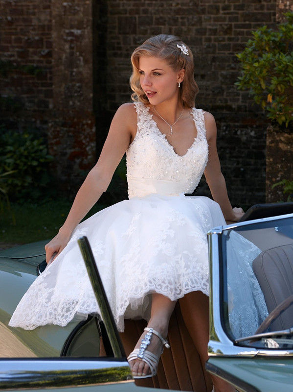 Sexy V Neck Lace Short Knee Length Wedding Dresses White Ivory Vestido De Noiva Bridal Gown