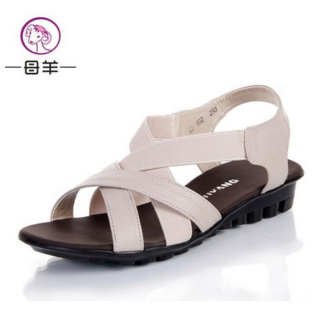 Elegant Hot Sexy Fashion Punk New 2014 Women Flat Sandals Gold Spikes Sandals