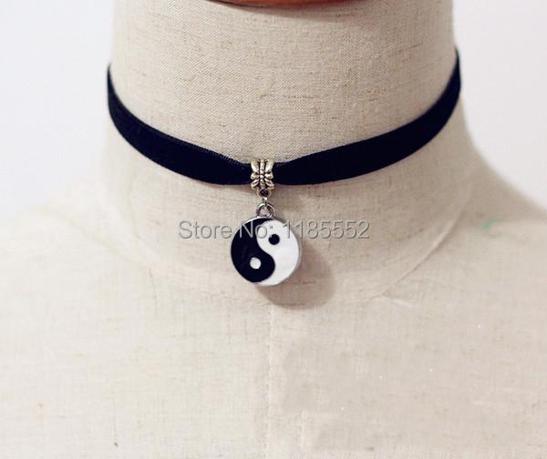 Retro Black Velvet Choker Necklace w/ Enamel Ying & Yang ...
