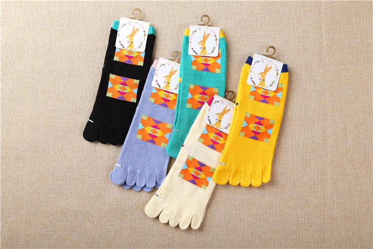 5 colors new design high quality pure cotton autumn winter happy novelty colorful geometric pattern ladies women brand toe socks(China (Mainland))