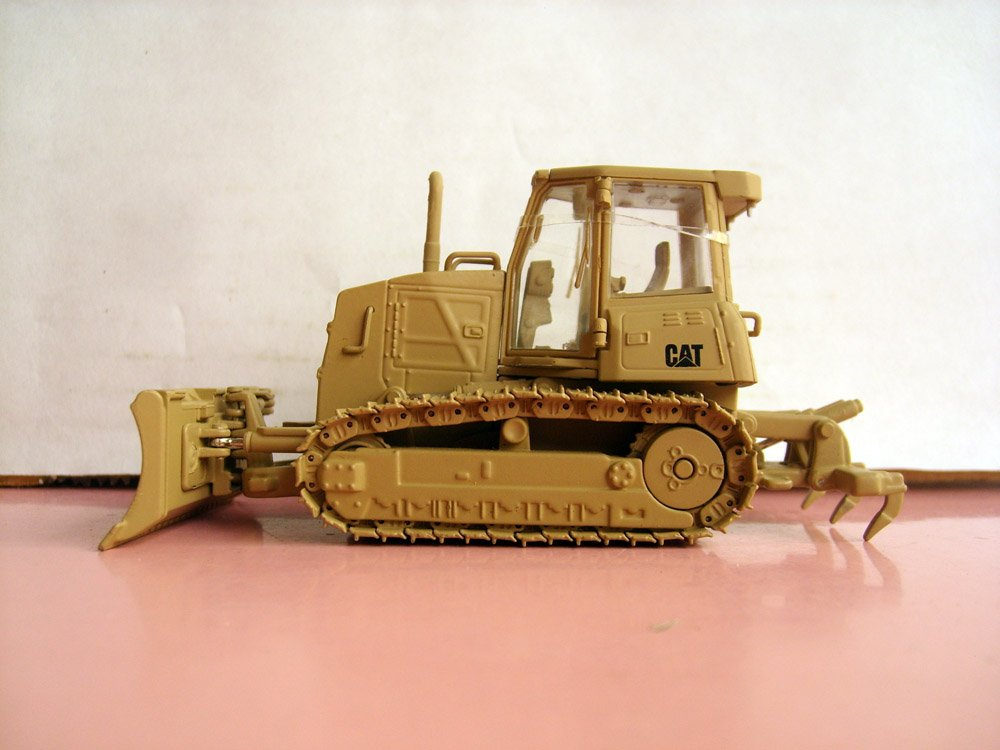 N-55253 1:50 CAT Military D6K Track-Type Tractor toy(China (Mainland))