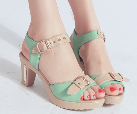 2015 summer new authentic women sandal shoes with thick with oL Korean sandals large size Genuine leather women shoes(China (Mainland))