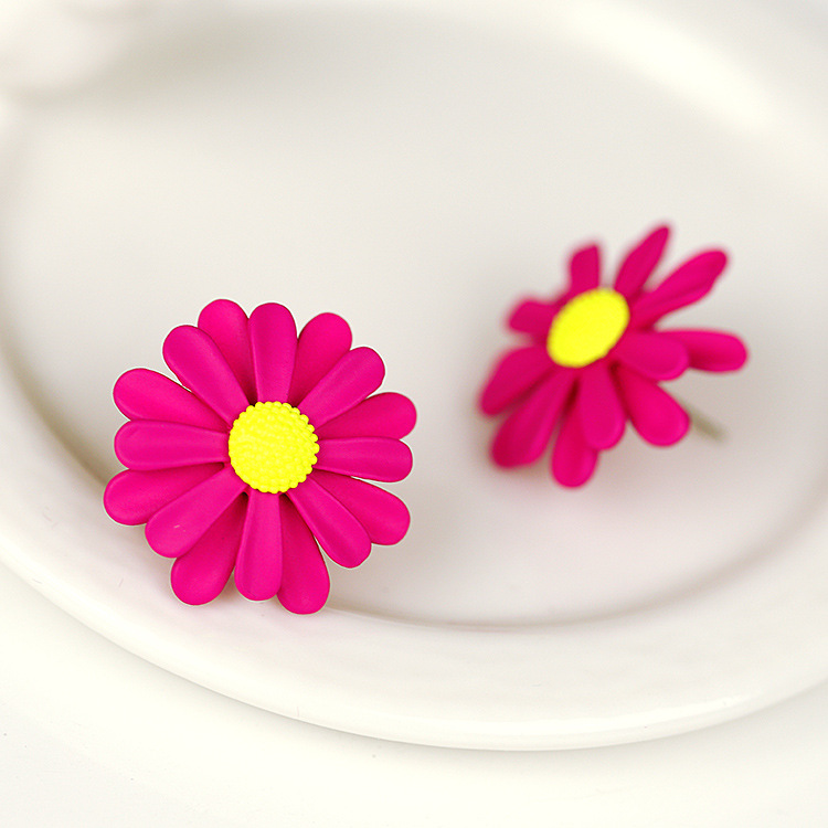 2015 New Arrival Hot Sale Earing Brincos Female Korean Girl Sweet Daisy Earrings Super Cute Flower Chrysanthemum Free Shipping(China (Mainland))