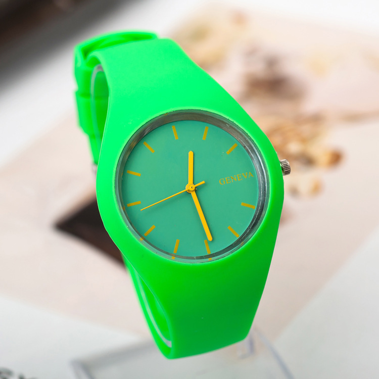 Гаджет  Hot Selling Fashion GENEVA Students Candy Color Silicone Quartz Watch Women & Men Sports Watches Gifts Wristwatches  None Часы