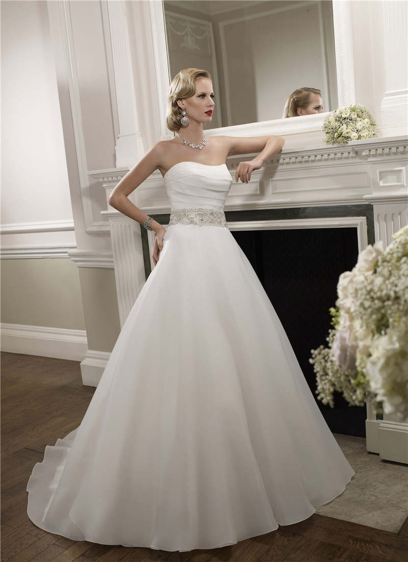 White sexy off the shoulder wedding dresses 2015 backless for Vintage off the shoulder wedding dresses