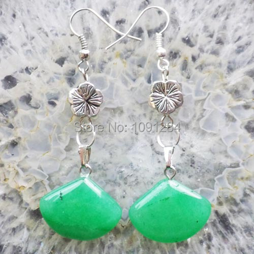 (Mixed Order $15) Free Shipping Interesting Wholesale A Pair Of Green Jade Sector Earring X37(China (Mainland))