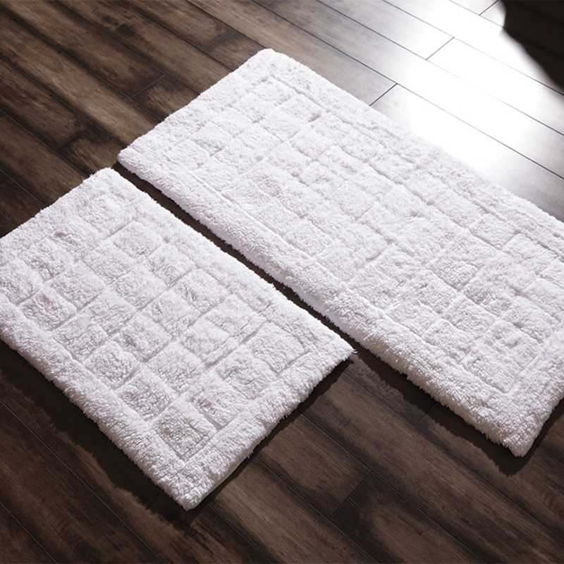 Egyptian cotton towels Luxury hotel-style bathroom floor ...