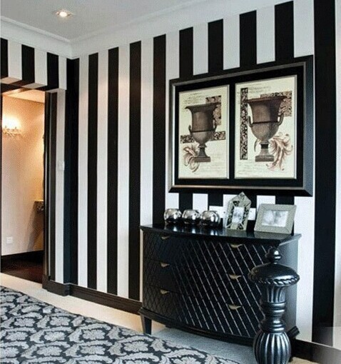 Selbstklebende Pvc Tapete : Black and White Striped Bedroom