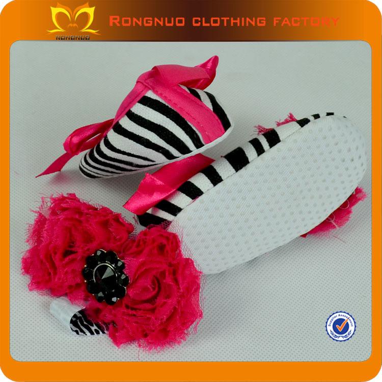 Крещение туфли для девочки дешевые мягкая зебра детская кровать в обуви соответствующие повязка на голову веселые обувь для девочек 24 пар/лот