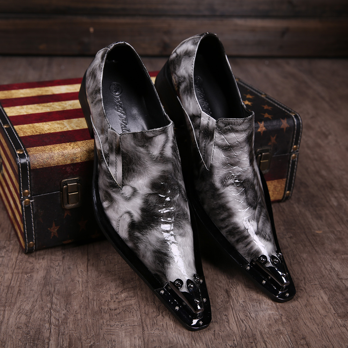 Man Shoes Fashion Show Men dress shoes Genuine