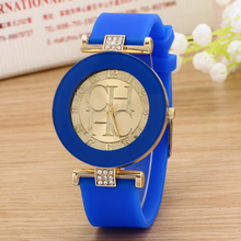 2016 ladies watch new tide comfortable silicone strap quartz watch set auger gold watches selling styles