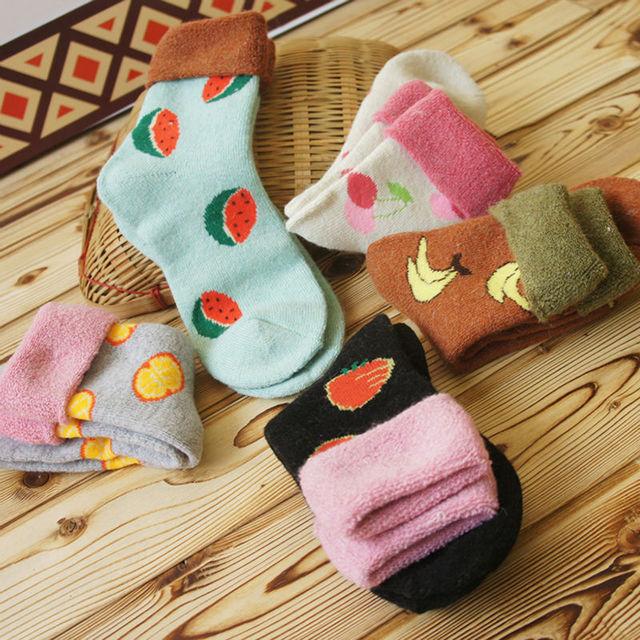 2015 новый зима женщины теплые шерстяные носки Kawaii фрукты арбуз банан клубника оранжевый носок милый толстые тепловые махровые носки