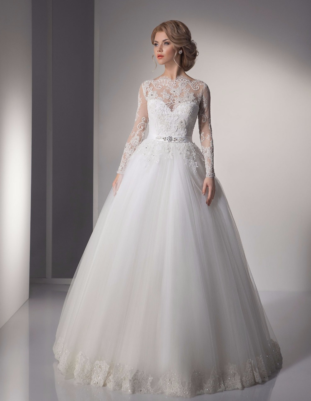 De Noiva Sheer Ball Gown Boat Neck Bead Lace Tulle Wedding Dresses