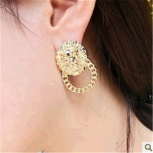 Europe and the United States women alternative street snap act the role ofing is tasted The lion stud earrings High-grade allerg(China (Mainland))