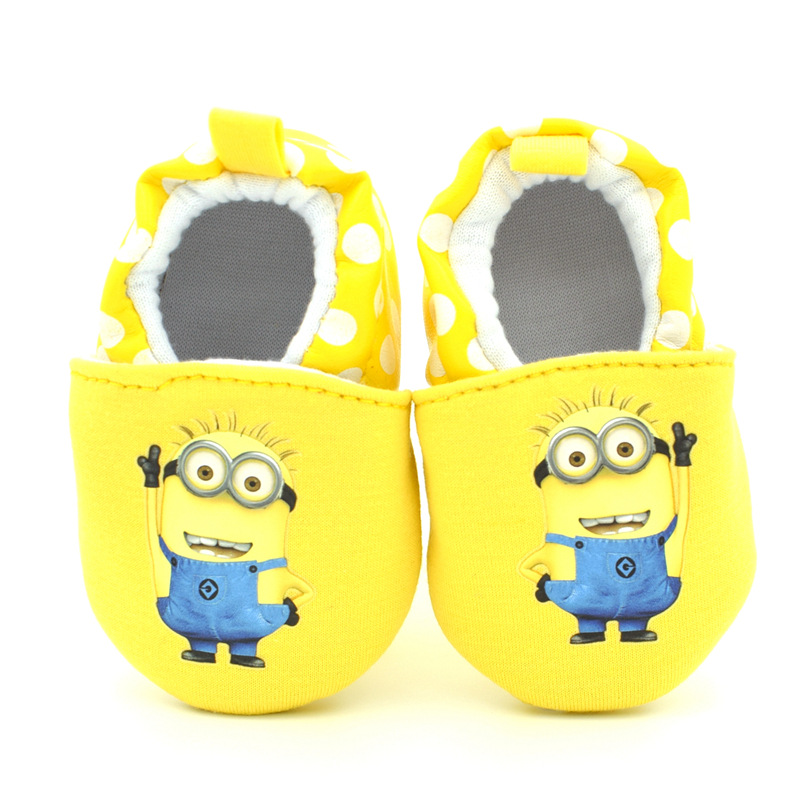 Toddler Baby Cute Cartoon Minion First Walkers Shoes 2016 Baby Boy and Girl Sneakers Booties Shoe for Newborns 1 Birthday Gift(China (Mainland))