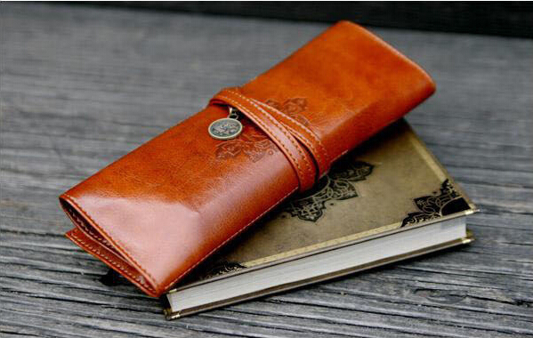 Creative Stationery Vintage 3 Fold Leather Pen Bandage Cosmetic Makeup Bag Case Holder Box Storage School Supplies Birthday Gift<br><br>Aliexpress