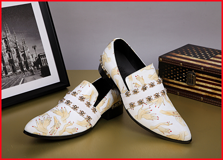 New Hot Sale 2015 Black White Men Wedding Italian Formal Shoes Print Metal Skulls Rivets White Oxford Shoes Men Zapatos Hombre<br><br>Aliexpress