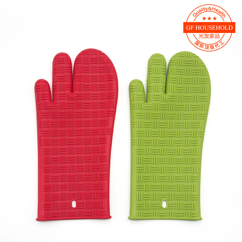 silicone oven three finger gloves microwave oven barbecue heat insulation cover anti hot and non slip stripe long type(China (Mainland))