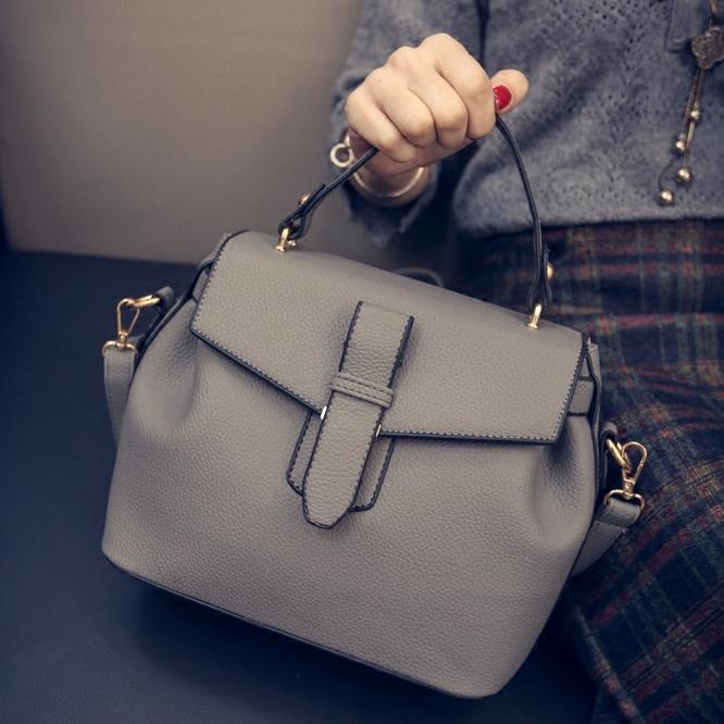 Popular sale Korean fashion handbag buckle 2016 winter new large capacity single diagonal doctor bags female luxury elegant bags(China (Mainland))