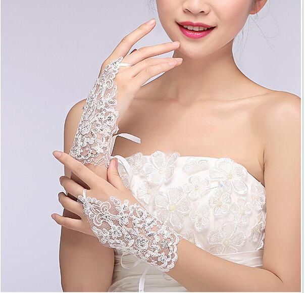 Fingerless Summer Wholesale White Elegant Short Paragraph Rhinestone Bridal Wedding Gloves In stock white 2016