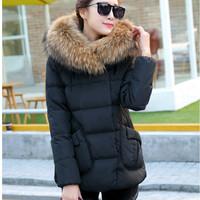 Down coat women thickening  short design 90% white duck down jacket  2015 autumn and winter  luxurious fur collar down jacket.