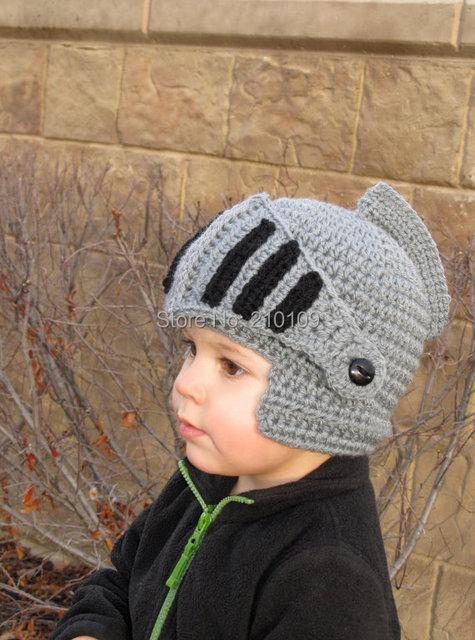 2015 Новинка Дети Римские Доспехи Рыцаря Caps Круто Зима Ручной Вязаные Шапки Шлем для Baby Boy Девушка Вязаные Шапочки