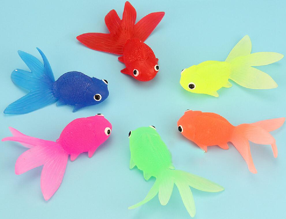 6pcs lot bigger goldfish model sea life toys action for Small plastic fish