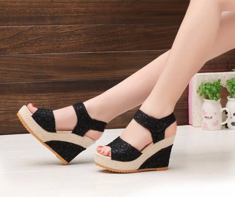 Beautiful And Cool Shoes for College Girls