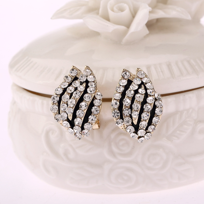 Korea New Pattern E377 created created diamond Magnolia Nail Ear hot sale stud earring classic plant(China (Mainland))