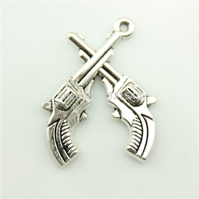 Charms crossed pistols revolvers western 20pcs 31*23mm Tibetan Silver Plated Pendants Antique Jewelry Making DIY Handmade Craft(China (Mainland))