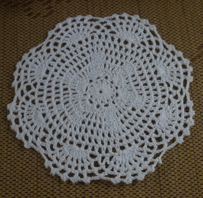 18CM 100% Cotton Crochet Doily Handmade Tablecloths Crochet Cup Mat White Cream Pink 20pcs/LOT(China (Mainland))