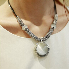 2014 Fashion New Retro Vintage Silver Plated Round White Opal Pendant Leather Cord Necklace Choker Jewelry for Women Collier