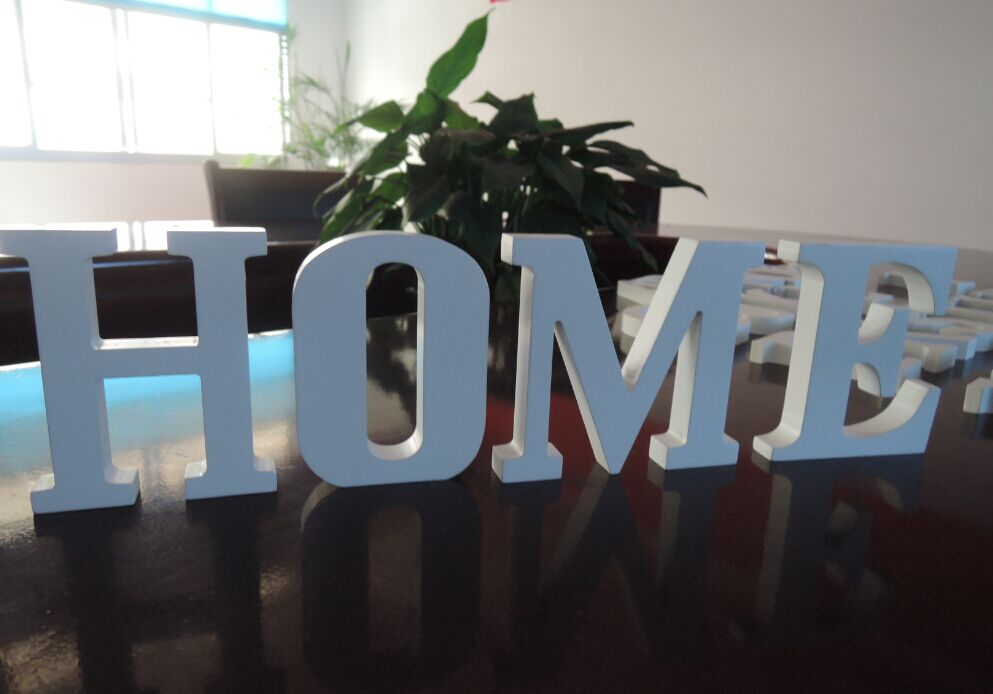 Free Shipping Standing White HOME Decorative Wooden Letter Alphabet A-Z Wedding Gift Store Names Decor A-Z 0-9 FOR 10cm High(China (Mainland))