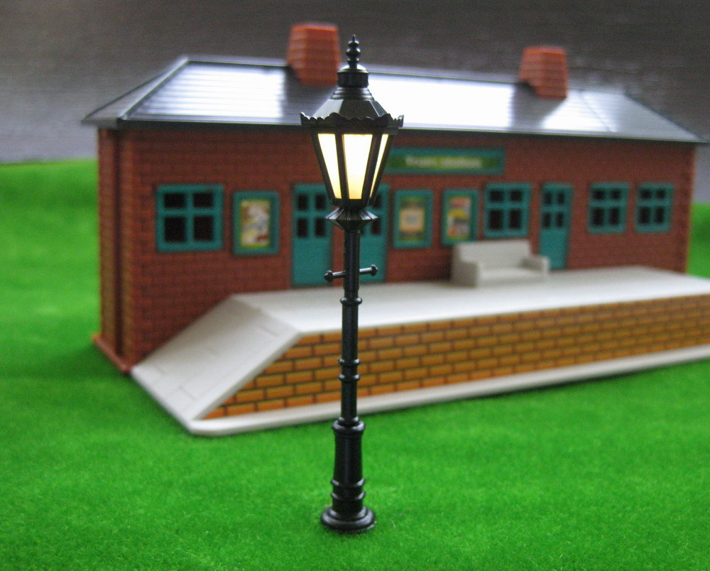 LNH08 Model Railway Led Lamppost Lamps Street Lights O Scale 8.5cm 12V New(China (Mainland))