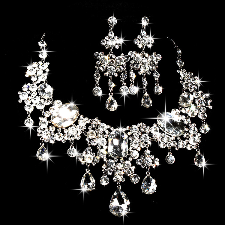 Bride Necklace Earrings Two Sets Crystal Flower New jewelry Wedding Jewelry(China (Mainland))