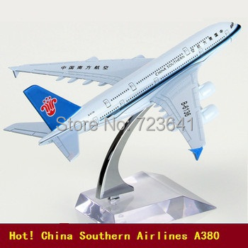16cm China Southern Airlines Airbus A380 aircraft model airplane model Metal airlines plane model,children's toys,Christmas gift(China (Mainland))