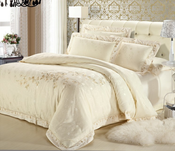 Classic White/Silver/Gold Silk Satin Bedspreads Embroidered Bed in a Bag Jacquard Bedding sets Full/Queen/King size bedclothes(China (Mainland))